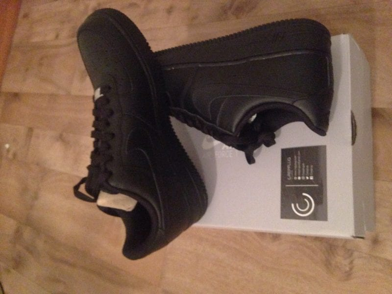 Nike Black Air Force 1 Low UK SIZE 9