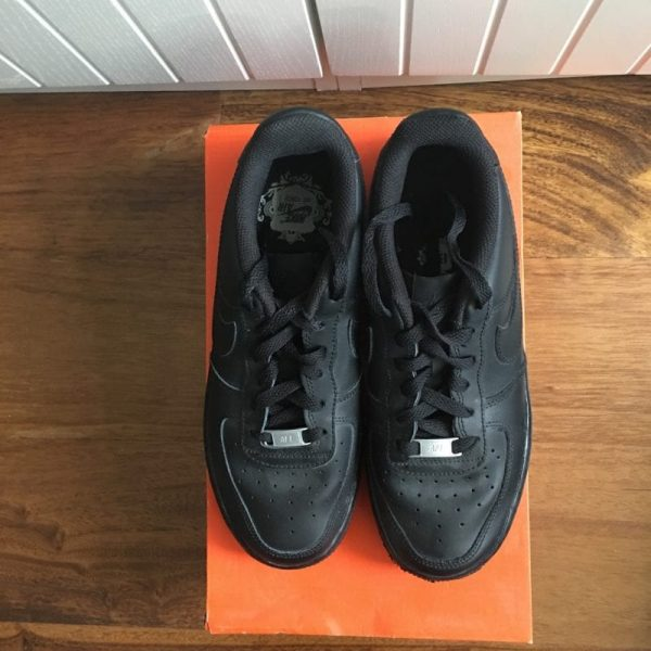 Nike Air Force 1 (BLACK) UK SIZE 6