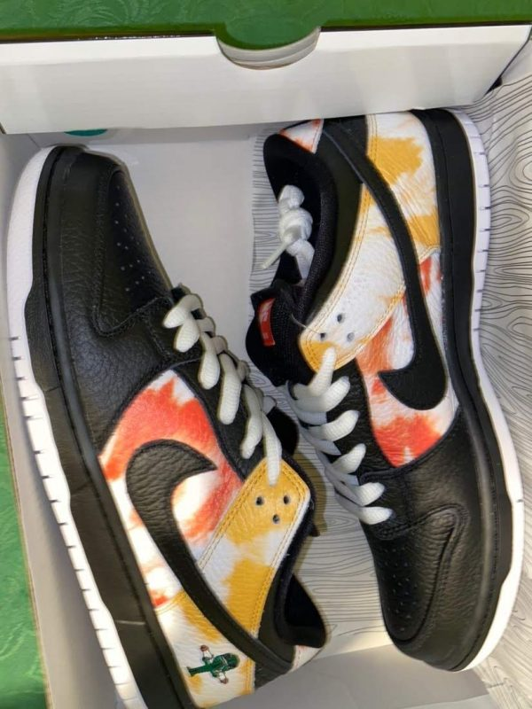 Nike SB Dunk Low Raygun Tie-Dye UK 8.5