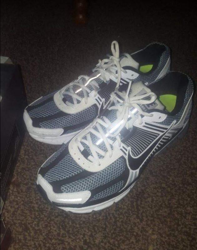 Nike Zoom Vomero Trainers
