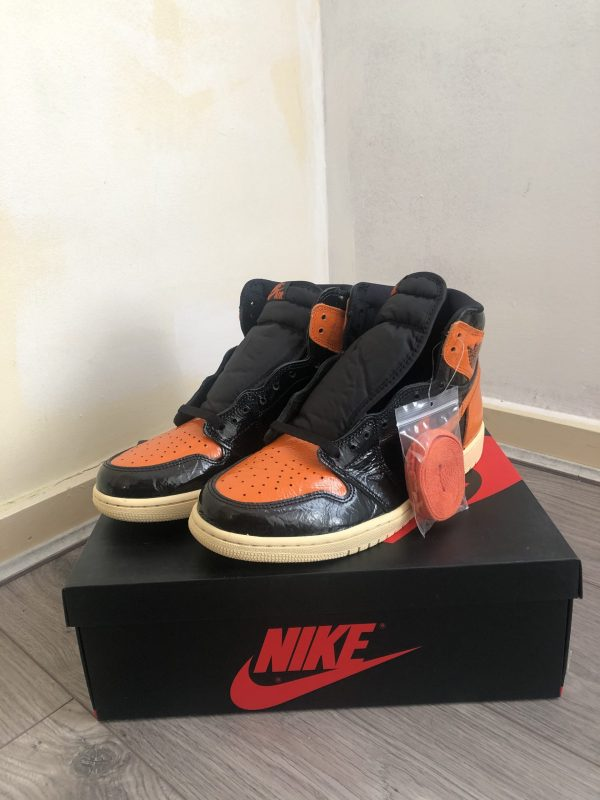 Nike Air Jordan 1 - Retro High OG 3.0 (SBB)