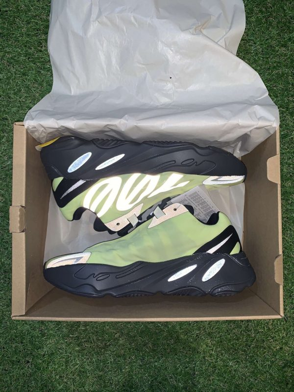 Adidas Yeezy Boost 700 MNVN UK 5.5 / UK 6.5