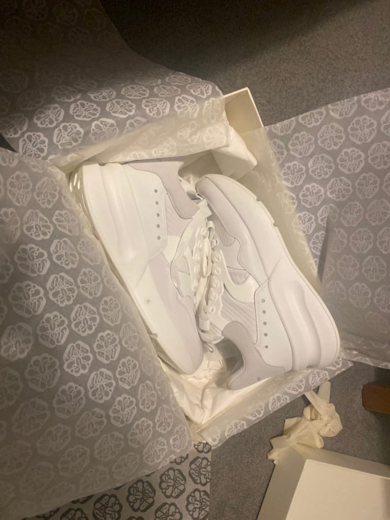 ALEXADER MCQUEEN OVERSIZED TRIPLE WHITE RUNNERS UK 6 / EU 40