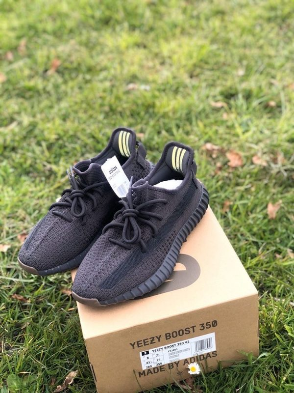 Yeezy 350 Triple Black