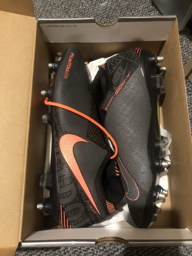 Nike Phantom VSN Elite SG Pro football boots UK 11