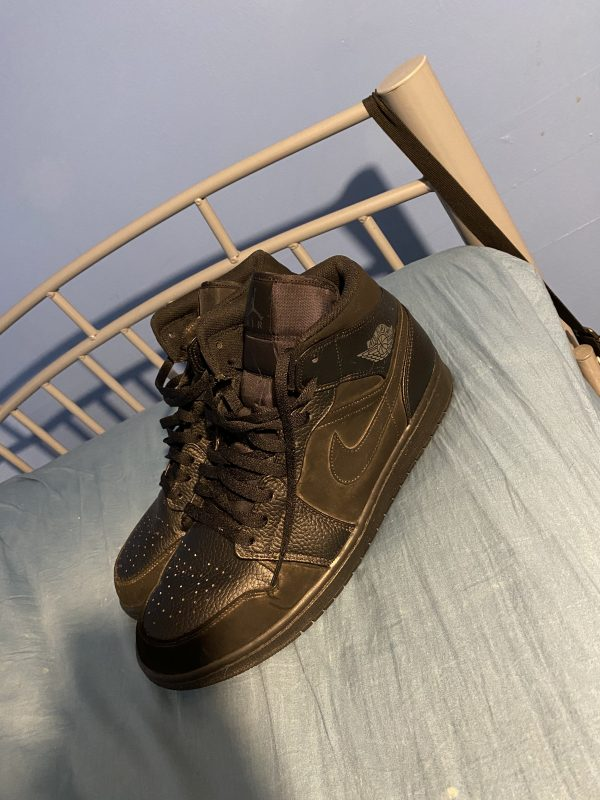 Jordan 1s leather mids