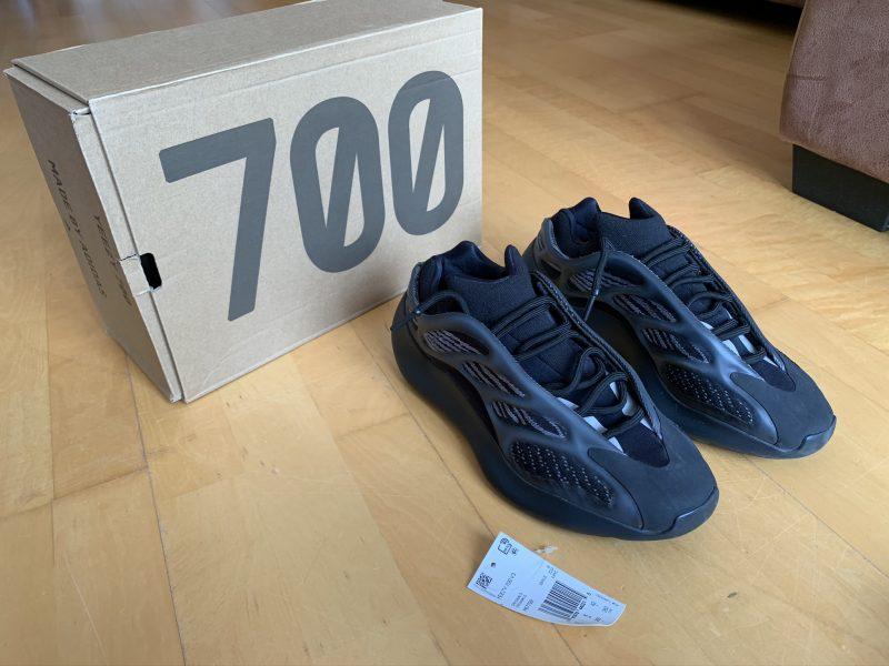 Yeezy 700 V3 Alvah