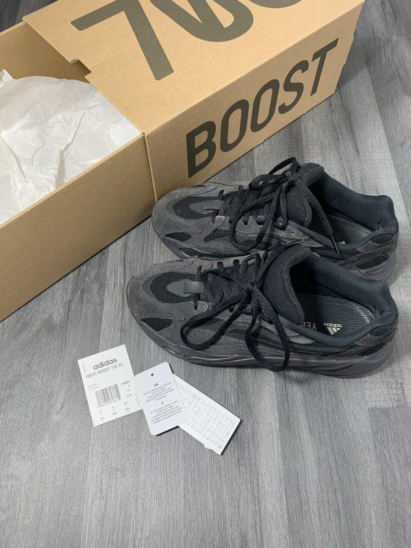 Yeezy Boost 700 V2 Vanta