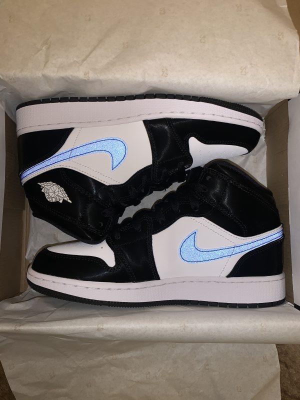 "Nike Air Jordan 1 ""Black Racer Blue"""