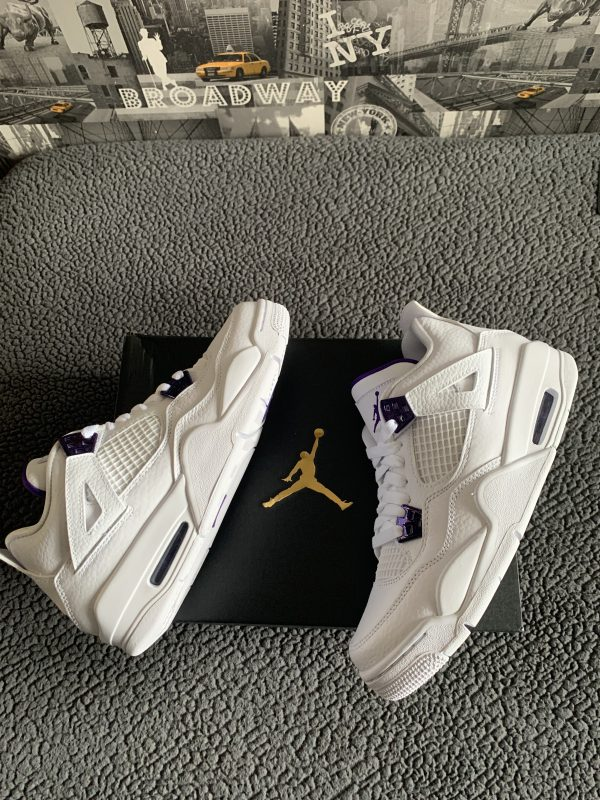 Jordan 4 'Metallic Purple'