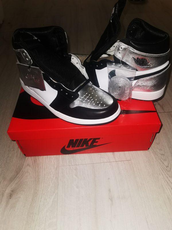 Uk9.5 Jordan 1 Silver Toe