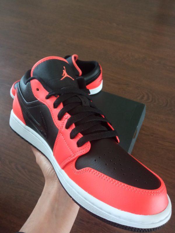 Jordan 1 low SE Black Turf Orange